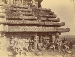 Close view of right half of west façade and roof of the mandapa of the Surya Temple or Black Pagoda, Konarka 1003348